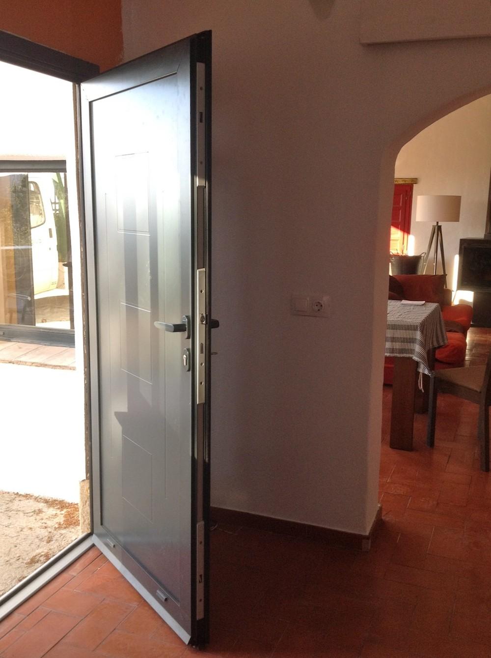 porte technal soleal py fabricant europ en technal. Black Bedroom Furniture Sets. Home Design Ideas